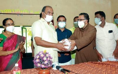 Help to the Kulakada Panchayat by the South Kerala Province (OCD)